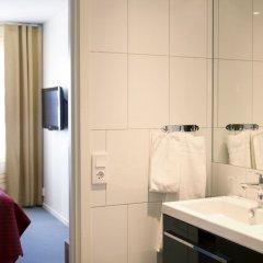 Отель Spar Hotel Majorna Швеция, Гётеборг - отзывы, цены и фото номеров - забронировать отель Spar Hotel Majorna онлайн ванная фото 2