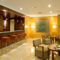 Отель NH Ciudad de Valencia гостиничный бар фото 2