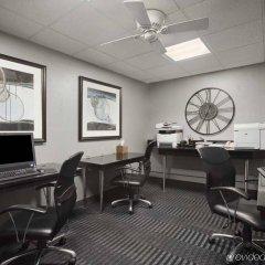 Отель Embassy Suites Minneapolis - Airport Блумингтон интерьер отеля