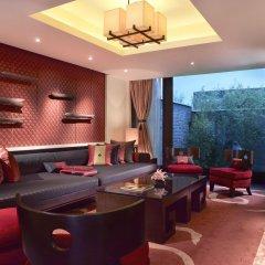 Отель Banyan Tree Lijiang 5* Вилла разные типы кроватей фото 5