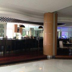 Отель August Suites Pattaya Паттайя гостиничный бар фото 2