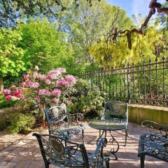 Апартаменты Luxury apartment - garden access Monceau спортивное сооружение