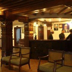 Отель Kantipur Temple House Непал, Катманду - 1 отзыв об отеле, цены и фото номеров - забронировать отель Kantipur Temple House онлайн интерьер отеля фото 2