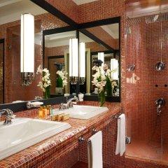 Отель Grand Hotel Savoia Италия, Генуя - 3 отзыва об отеле, цены и фото номеров - забронировать отель Grand Hotel Savoia онлайн ванная фото 2