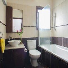 Отель Protaras St Raphael Villa ванная фото 2