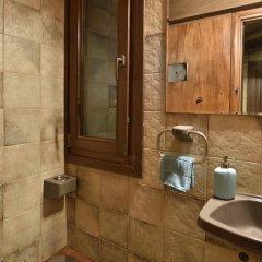 Отель Karyatis Luxury Maisonette by K&K ванная