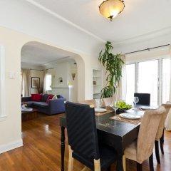 Отель LA155 2 Bedroom Apartment By Senstay США, Лос-Анджелес - отзывы, цены и фото номеров - забронировать отель LA155 2 Bedroom Apartment By Senstay онлайн комната для гостей фото 3