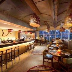 Отель Sails in the Desert гостиничный бар