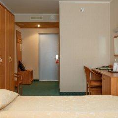 Гостиница Меридиан 3* Стандартный номер с 2 отдельными кроватями фото 2