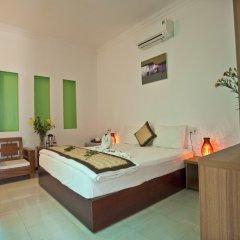 Отель Flower Garden Homestay Хойан комната для гостей фото 5