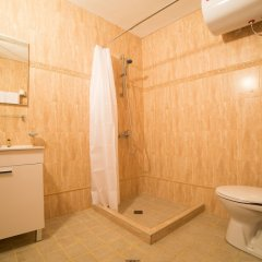 Отель SG Seven Seasons Hotel & Spa Болгария, Банско - отзывы, цены и фото номеров - забронировать отель SG Seven Seasons Hotel & Spa онлайн ванная