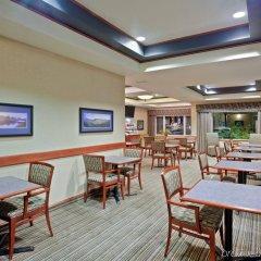 Отель Holiday Inn Express & Suites Ashland гостиничный бар