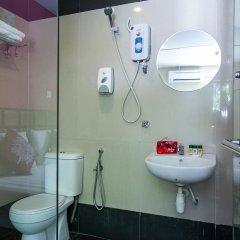 Отель OYO 173 De Nice Inn Малайзия, Куала-Лумпур - отзывы, цены и фото номеров - забронировать отель OYO 173 De Nice Inn онлайн ванная фото 2