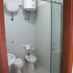 Hotel Residence La Baia Кастельсардо ванная