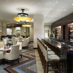 Отель Hilton Bellevue гостиничный бар