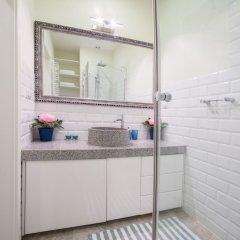 Отель Little Home - Colosseum Польша, Варшава - отзывы, цены и фото номеров - забронировать отель Little Home - Colosseum онлайн ванная фото 2