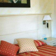 Vista De Rey Hotel сейф в номере