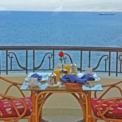 Warwick Palm Beach Hotel балкон