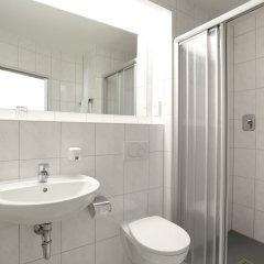 Отель Am Moosfeld Германия, Мюнхен - 3 отзыва об отеле, цены и фото номеров - забронировать отель Am Moosfeld онлайн ванная