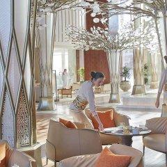 Отель Mandarin Oriental Jumeira, Dubai ОАЭ, Дубай - отзывы, цены и фото номеров - забронировать отель Mandarin Oriental Jumeira, Dubai онлайн питание фото 3