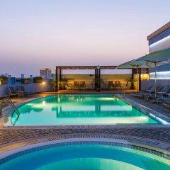 Отель Coral Deira Дубай бассейн