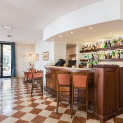 Hotel Sirmione гостиничный бар