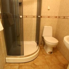 Korona Hostel Чубинское ванная фото 2