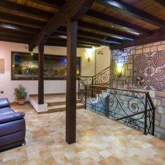 Отель Arbanashki Han Hotelcomplex Велико Тырново бассейн