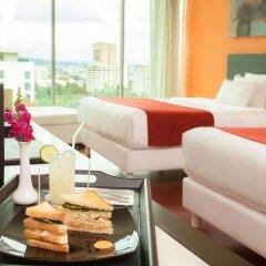Отель NH Collection Guadalajara Providencia гостиничный бар