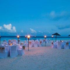 Отель Emporio Cancun пляж