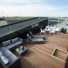 Отель Aalborg Airport Hotel Дания, Бровст - отзывы, цены и фото номеров - забронировать отель Aalborg Airport Hotel онлайн балкон