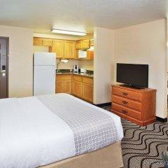 Отель La Quinta Inn & Suites by Wyndham Las Vegas Red Rock США, Лас-Вегас - отзывы, цены и фото номеров - забронировать отель La Quinta Inn & Suites by Wyndham Las Vegas Red Rock онлайн комната для гостей