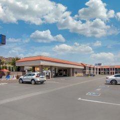 Отель Comfort Inn Near Old Town Pasadena парковка