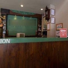 Отель ZEN Rooms Mahachai Khao San интерьер отеля