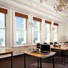 Отель Mercure Brighton Seafront Hotel Великобритания, Брайтон - отзывы, цены и фото номеров - забронировать отель Mercure Brighton Seafront Hotel онлайн питание