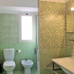 Отель Comeinsicily - Rocce Nere Джардини Наксос ванная