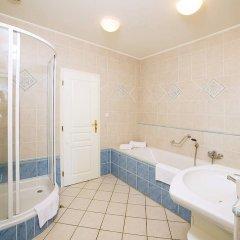 Отель FESTIVAL Hotel Apartments Чехия, Карловы Вары - отзывы, цены и фото номеров - забронировать отель FESTIVAL Hotel Apartments онлайн ванная фото 5