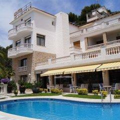 Отель Bonsol Испания, Льорет-де-Мар - отзывы, цены и фото номеров - забронировать отель Bonsol онлайн бассейн