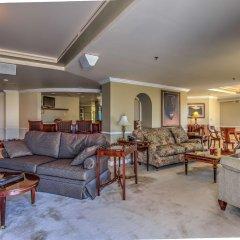 Отель Embassy Suites by Hilton Convention Center Las Vegas комната для гостей