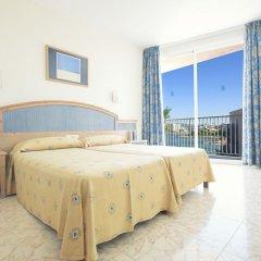 Отель AzuLine H. Mar Amantis I & II Испания, Сан-Антони-де-Портмань - отзывы, цены и фото номеров - забронировать отель AzuLine H. Mar Amantis I & II онлайн комната для гостей фото 2