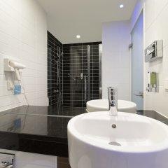 Отель Holiday Inn Express Frankfurt City Hauptbahnhof ванная фото 3