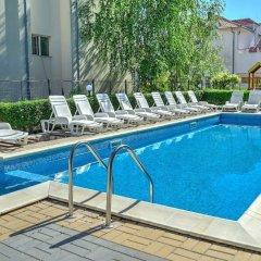 Radina Family Hotel Равда бассейн фото 3
