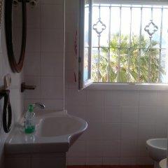 Отель Casas Azahar Захара ванная