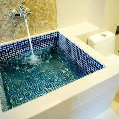 Отель Vacio Suite Бангкок бассейн