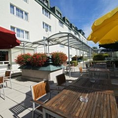 Отель Park Inn by Radisson Uno City Vienna Австрия, Вена - 4 отзыва об отеле, цены и фото номеров - забронировать отель Park Inn by Radisson Uno City Vienna онлайн бассейн