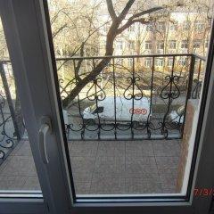Гостиница Эконом Отель Украина, Донецк - отзывы, цены и фото номеров - забронировать гостиницу Эконом Отель онлайн балкон