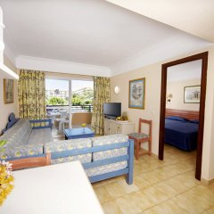 Отель Aparthotel Alcúdia Beach комната для гостей фото 2