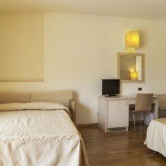 Hotel Mara Ортона сейф в номере