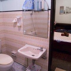 Отель Mad Cow Hostel Asoke Таиланд, Бангкок - отзывы, цены и фото номеров - забронировать отель Mad Cow Hostel Asoke онлайн ванная
