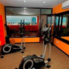 East Hotel фитнесс-зал фото 3
